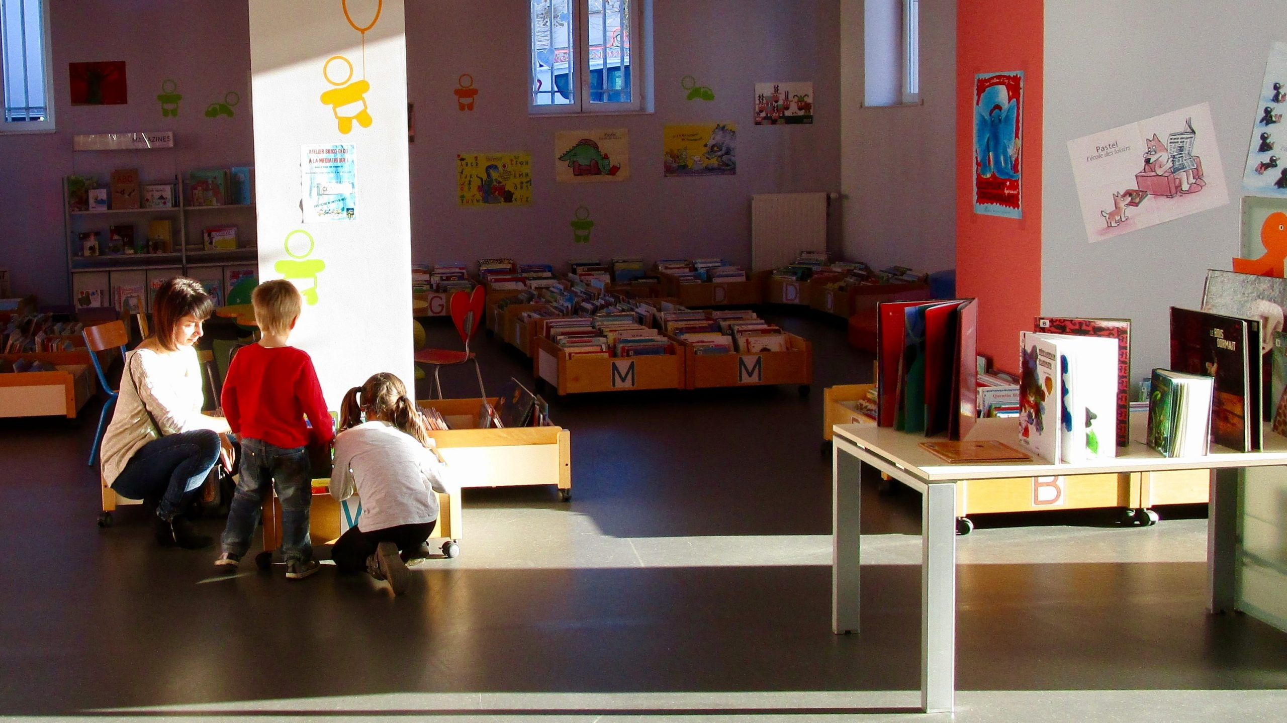 Espace enfants de médiathèque de Montceau-les-Mines.